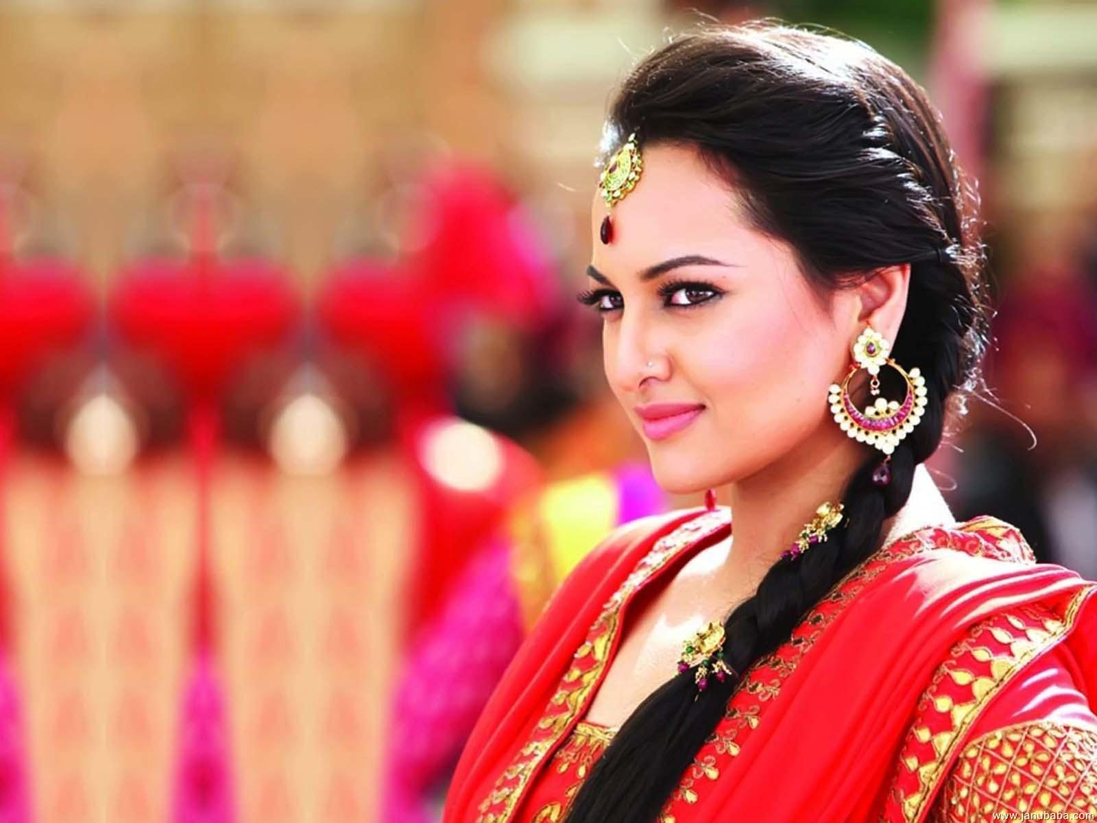 sonakshi-sinha-from-movie-dabang